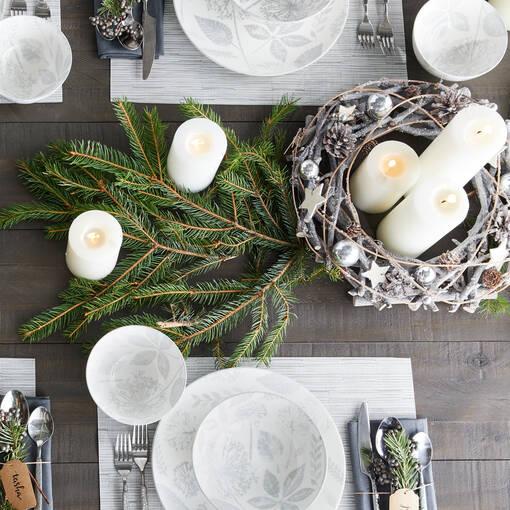 Blitzen Wreath Silver