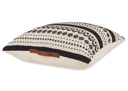 Lupita Floor Cushion Natural/Black