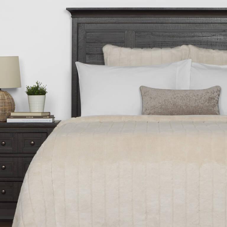 Starlet Faux Fur Bedspread King Oyster