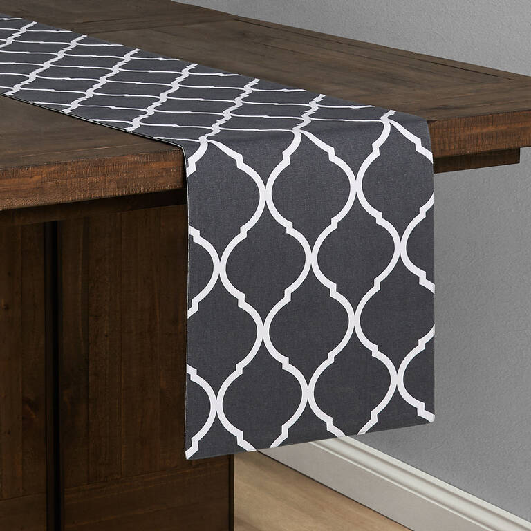 Trellis/Damask Table Runner Grey