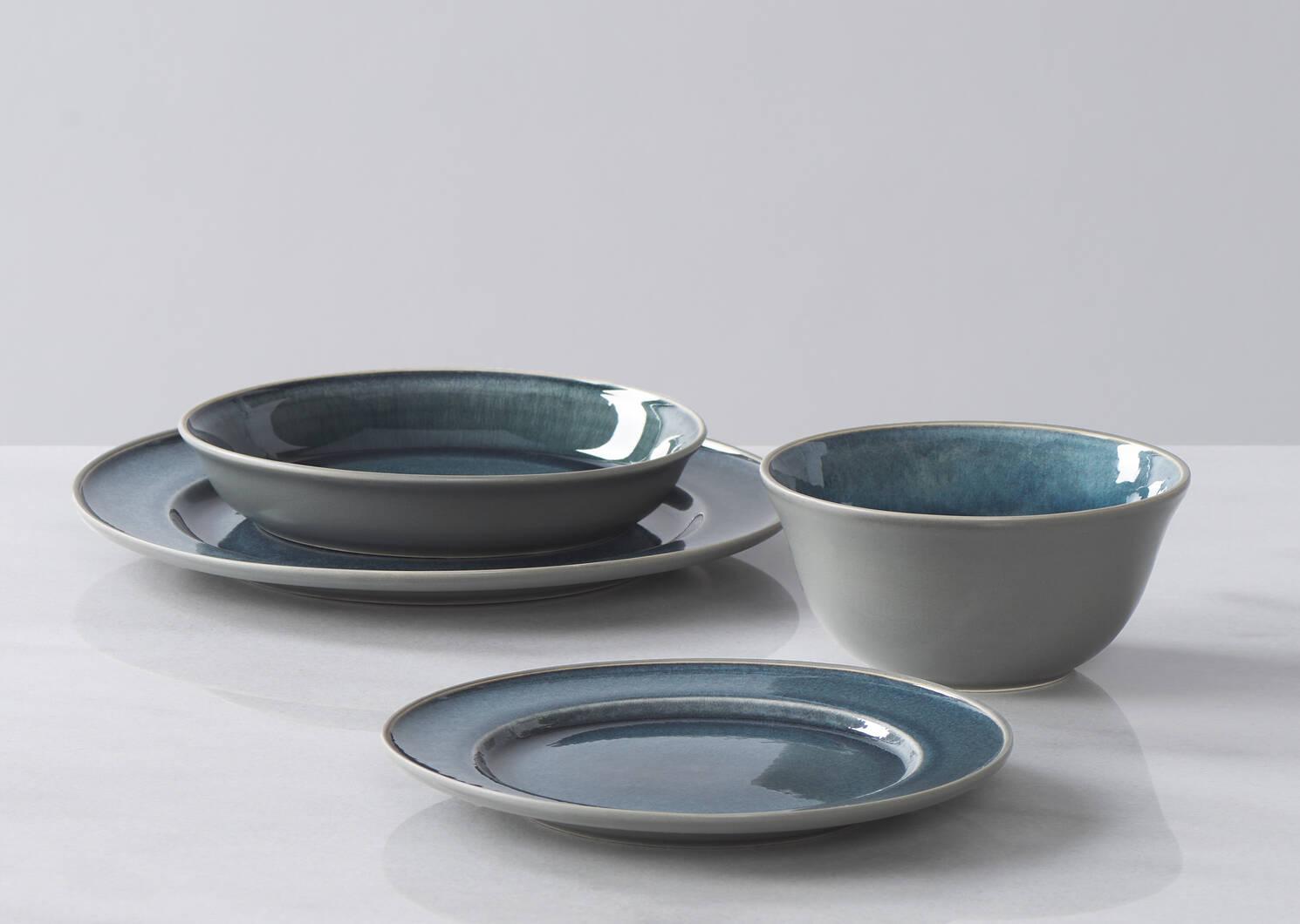 Kitsilano 16 pc Dish Set Blue