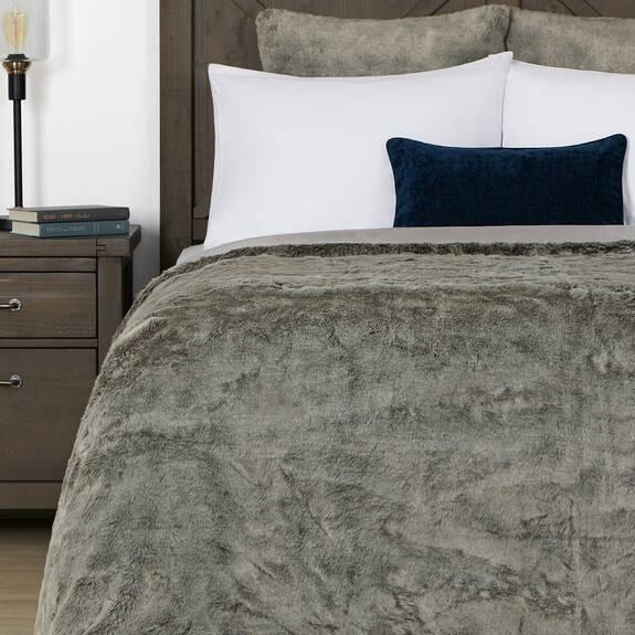 Fauna Faux Fur Bedspread Queen Silver