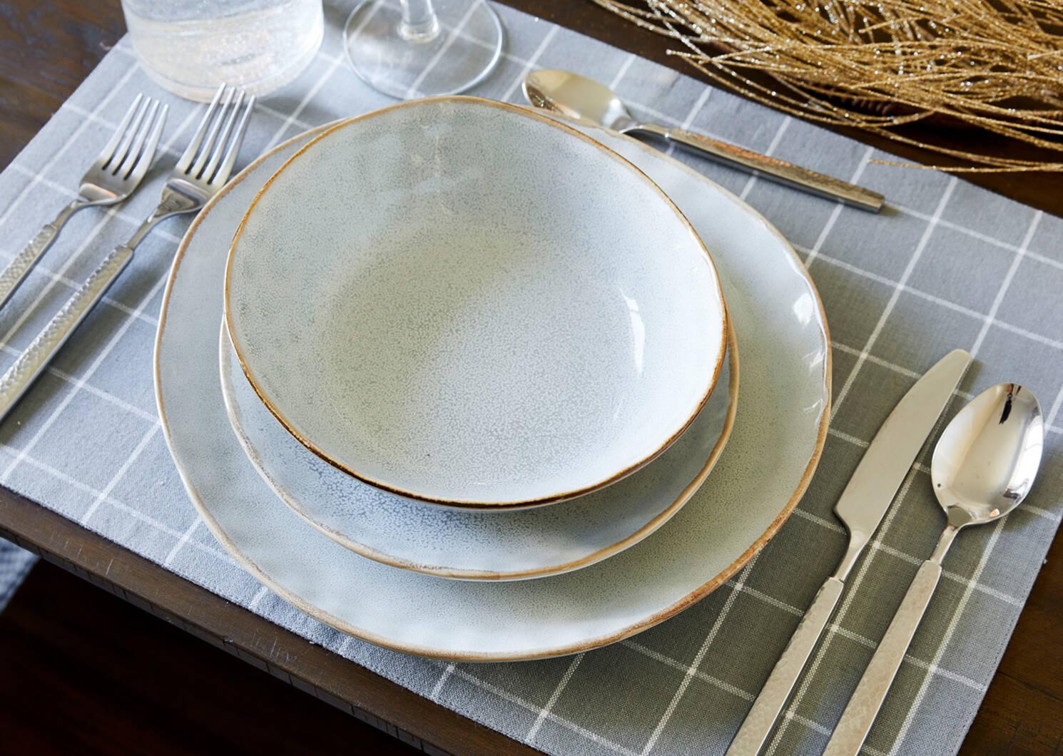 Crofton 16pc Dish Set Light Grey