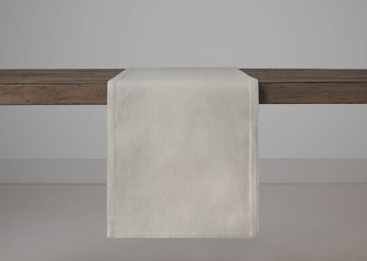 Cardinal Table Runner Stone/Red