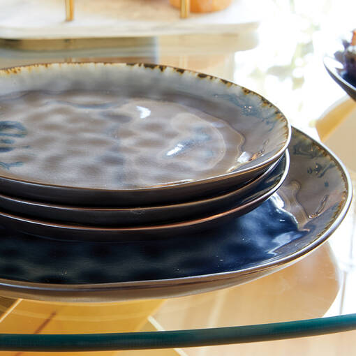 Adler 16 pc Dish Set Midnight