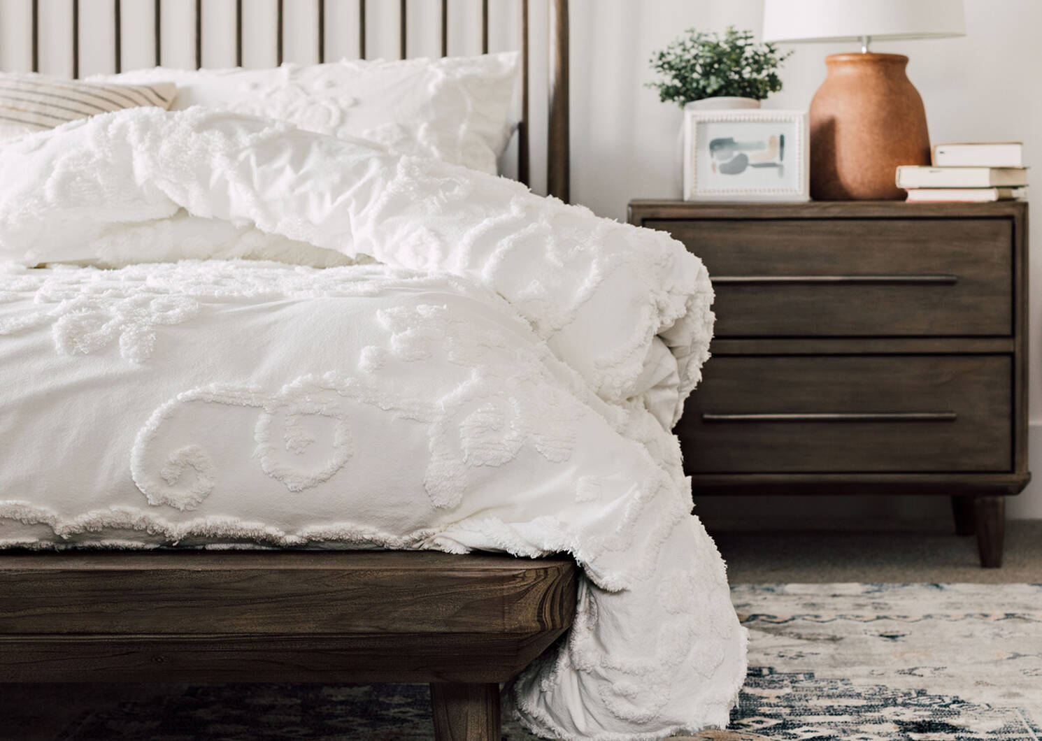 Luna Bed -Stone Pine, KING