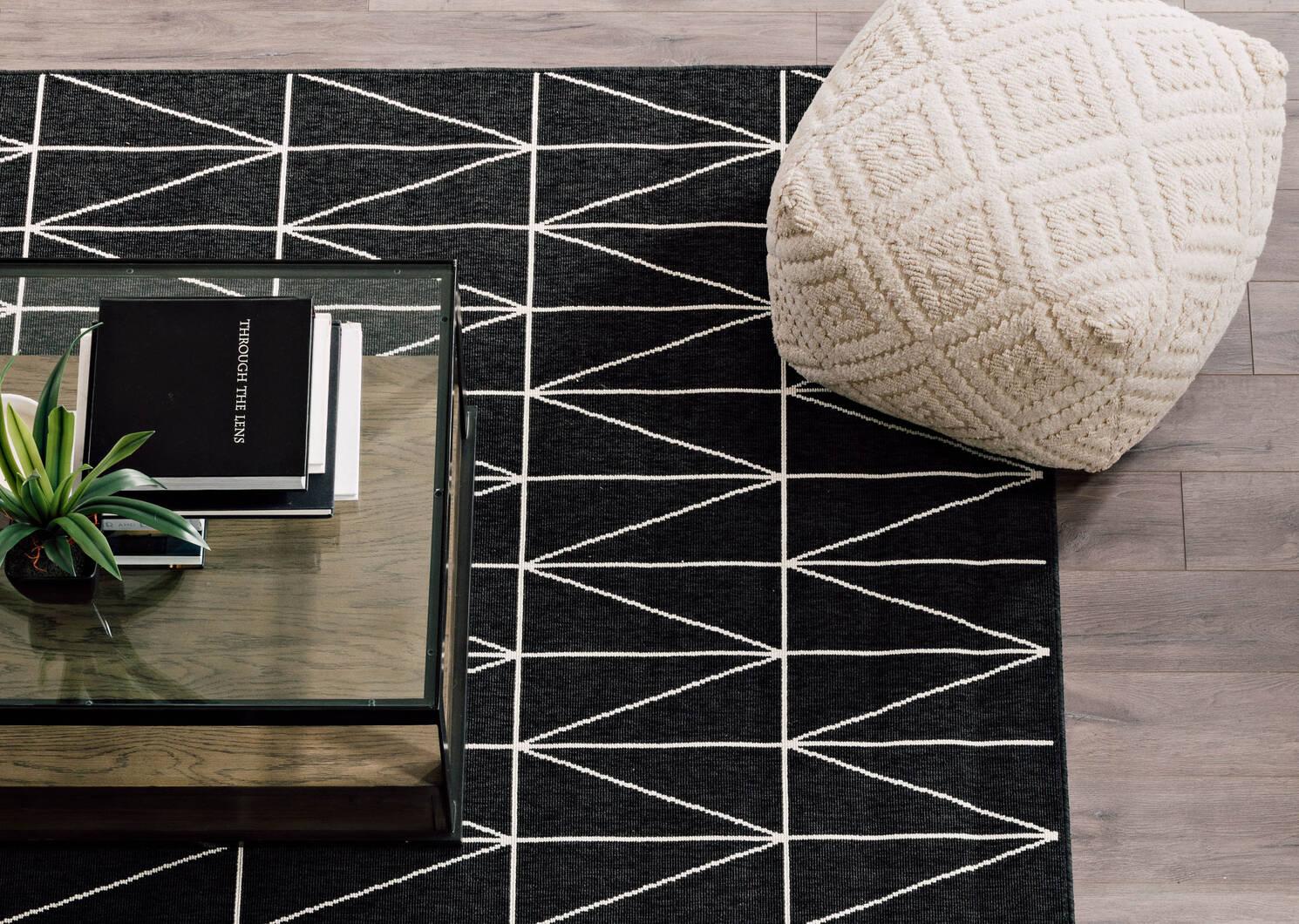 Matira Rug 63x91 Tile Black/Ivory