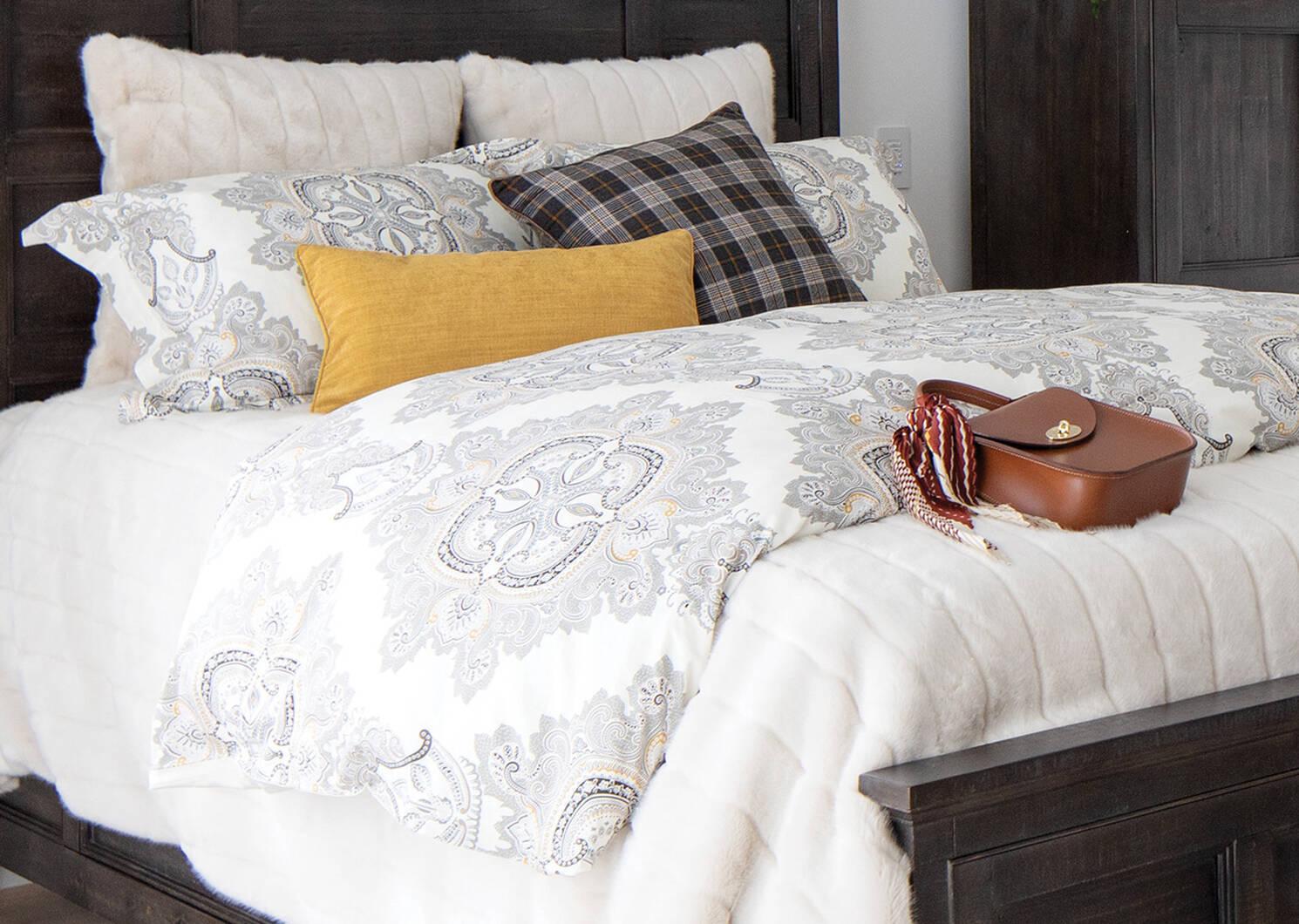 Starlet Faux Fur Bedspread Oyster
