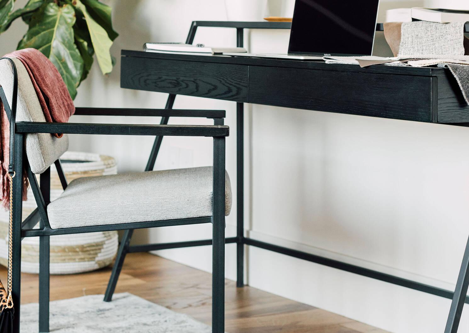Axl Desk -Black Oak