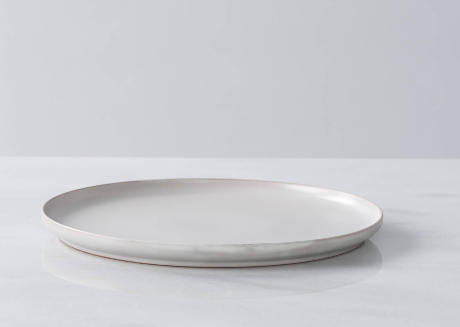 Mayne 16 pc Dish Set Light Grey
