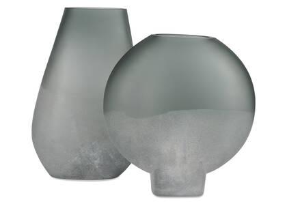 Davian Vases