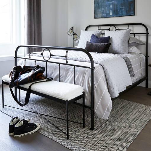 Izadore Bed -Black