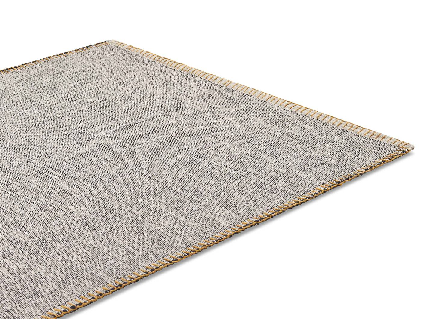 Arleigh Accent Rug - Black/Goldfield
