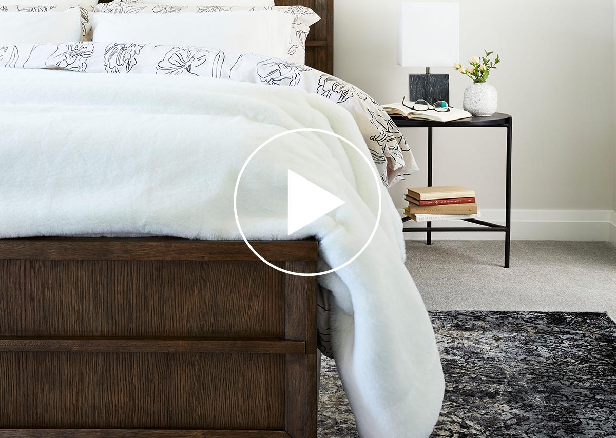 Monteray Storage Bed -Navarro Oak, KING