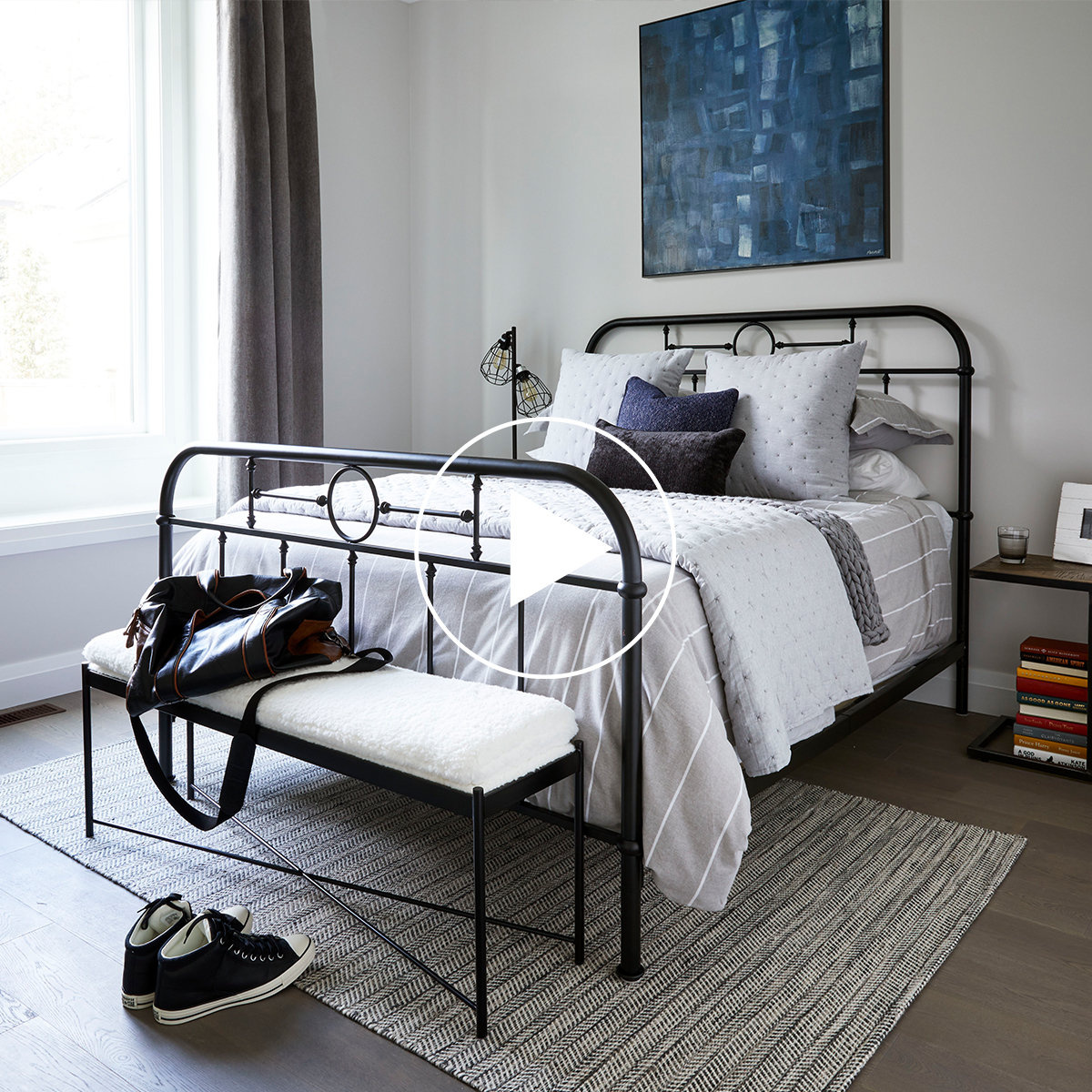 Izadore Bed -Grey